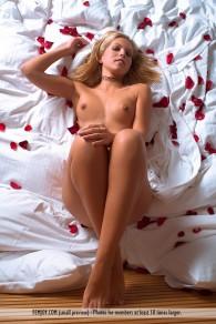 femjoy model Jenni