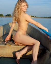 Femjoy Joana – Row the Boat